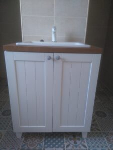 valamukapp vannitoa mööbel